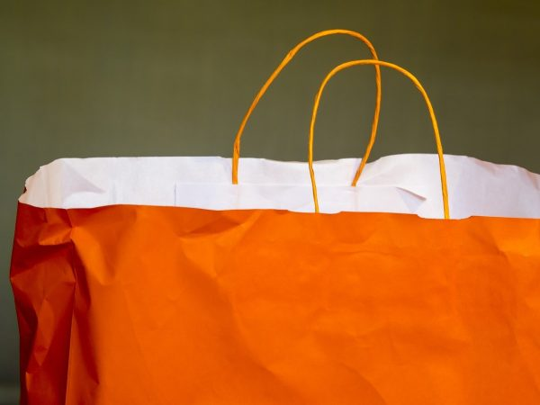 When you should use different custom accessories for stylish paper bags