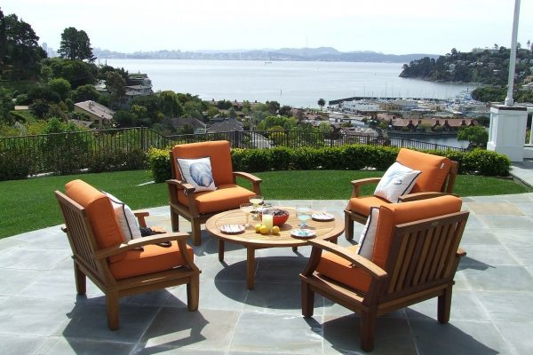 4 ways to upgrade your patio with teak furniture